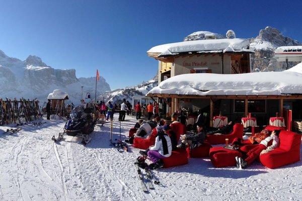 Foto invernale di presentazione Rifugio Col Pradat - Rifugio con camere