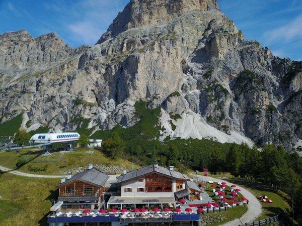Foto estiva di presentazione Rifugio Col Pradat - Rifugio con camere