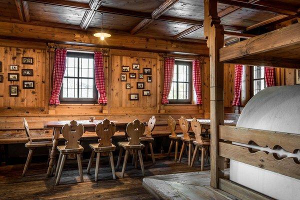 Das Restaurant Corvara Rifugio Capanna Nera / Negerhütte
