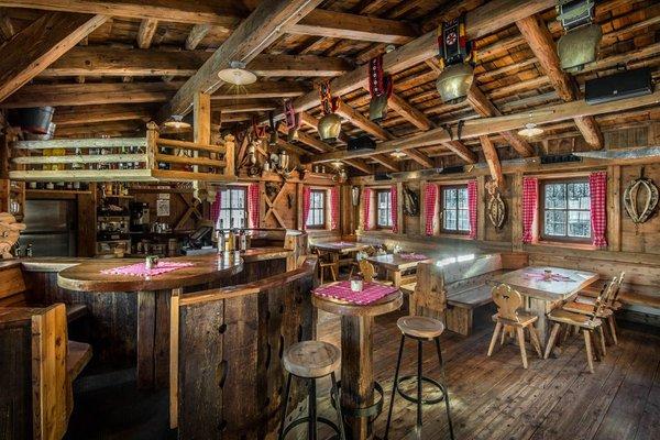 Il ristorante Corvara Rifugio Capanna Nera / Negerhütte