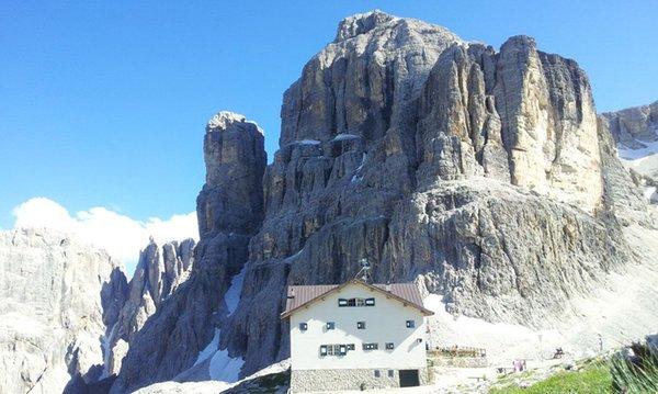 Foto esterno Rifugio Pisciadù - Franco Cavazza
