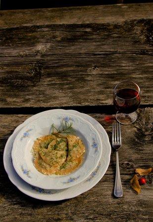 Foto della cucina Tlò Plazores - rustic cuisine