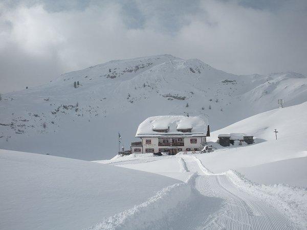 Foto esterno in inverno Munt De Sennes