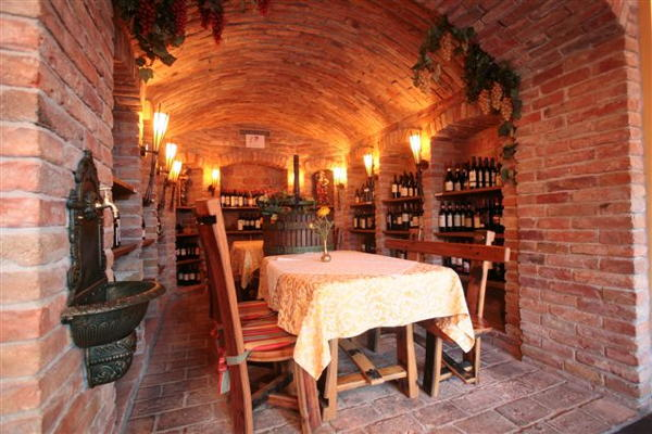 Das Restaurant Wolkenstein Hofer's Braustube - Maciaconi