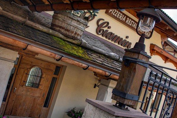 Foto Außenansicht Restaurant Pizzeria L Ciamin