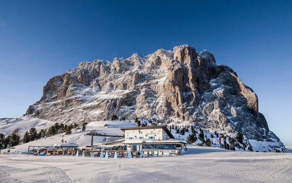 Foto esterno in inverno Emilio Comici