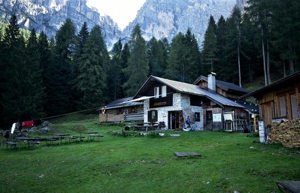 Summer presentation photo Mountain hut Bosconero