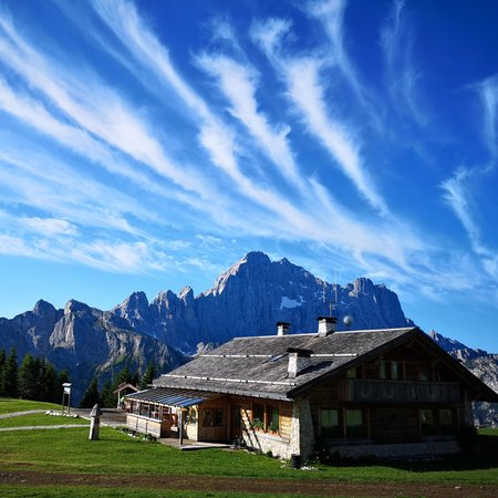 Summer presentation photo Mountain hut Ristoro Belvedere