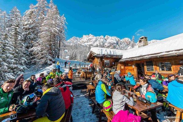 Winter Präsentationsbild Berghütte Col Taron