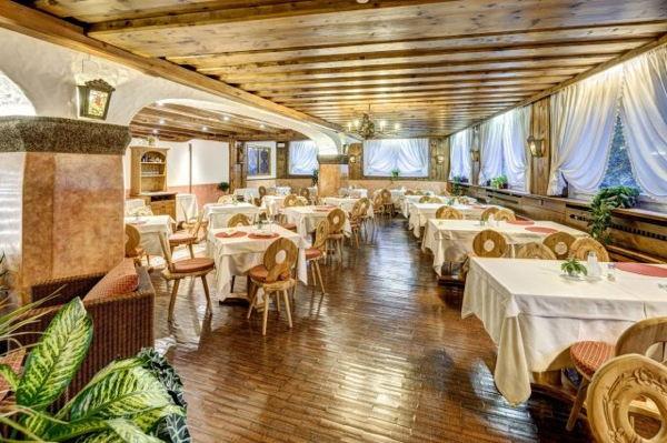The restaurant Cortina d'Ampezzo Il Cirmolo