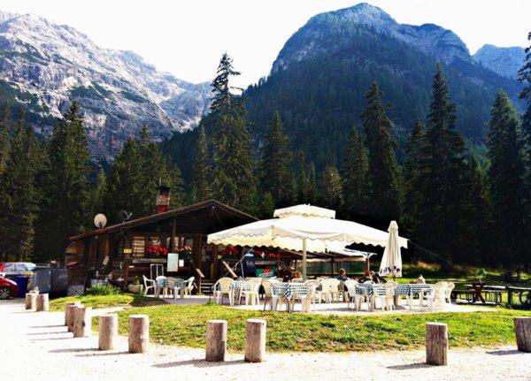 Sommer Präsentationsbild Restaurant Chalet Passo Cimabanche