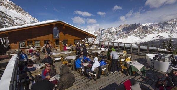 Foto invernale di presentazione Rifugio Col Drusciè