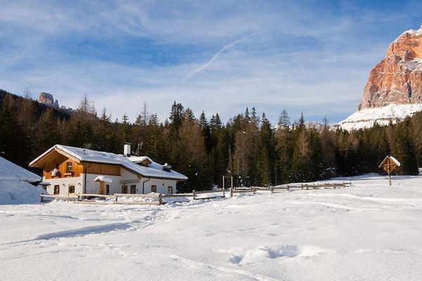 Foto invernale di presentazione Malga Peziè de Parù