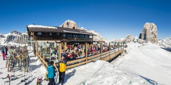 Foto invernale di presentazione Rifugio Scoiattoli