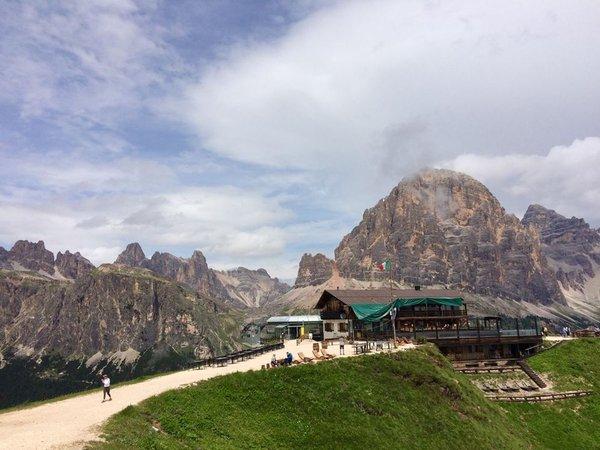 Foto estiva di presentazione Rifugio Scoiattoli
