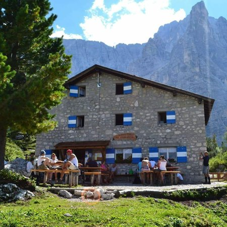 Sommer Präsentationsbild Berghütte Vandelli