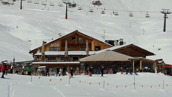 Foto invernale di presentazione Rifugio Salei