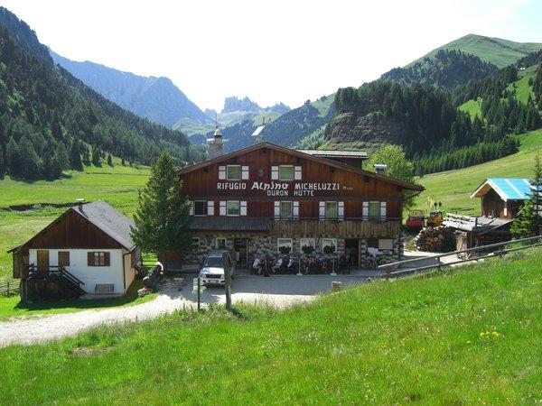Presentation Photo Mountain hut with rooms Micheluzzi