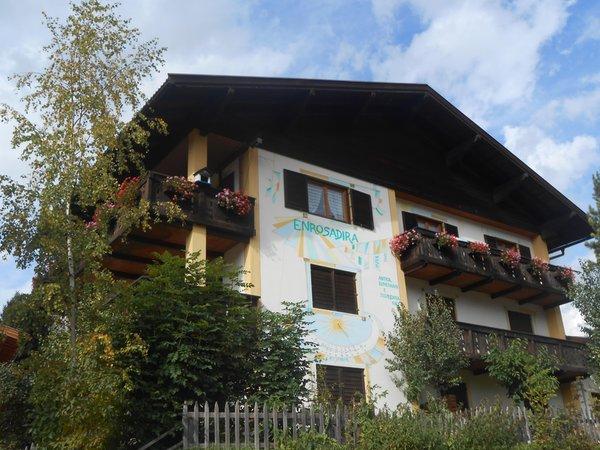 Foto estiva di presentazione Ciasa Enrosadira - Appartamenti