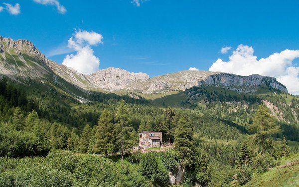 Sommer Präsentationsbild Berghütte Taramelli