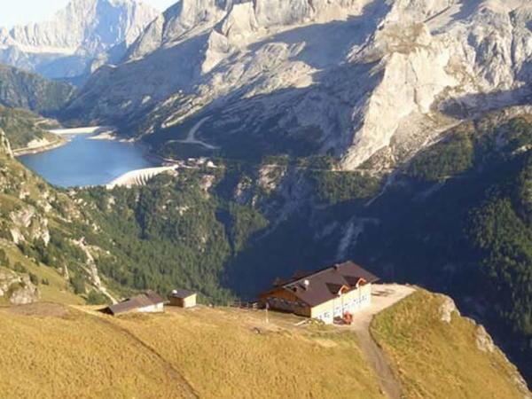 Lage Berghütte Viel dal Pan Canazei