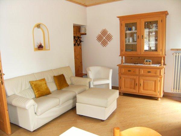 Il salotto Ciasa Stoffie - Appartamenti 4 genziane
