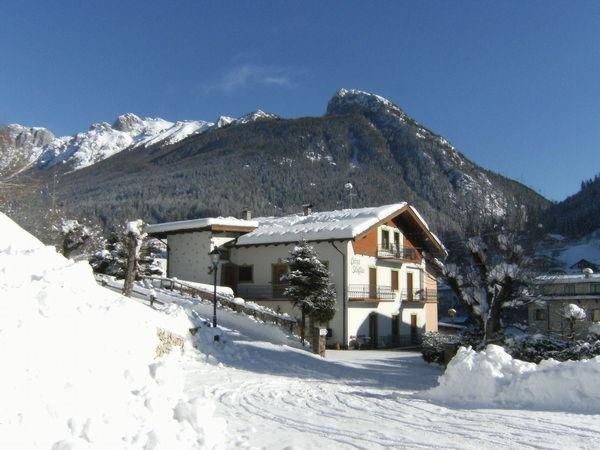 Foto invernale di presentazione Ciasa Stoffie - Appartamenti 4 genziane