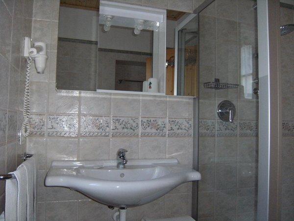 Photo of the bathroom Apartments Ciasa Stoffie