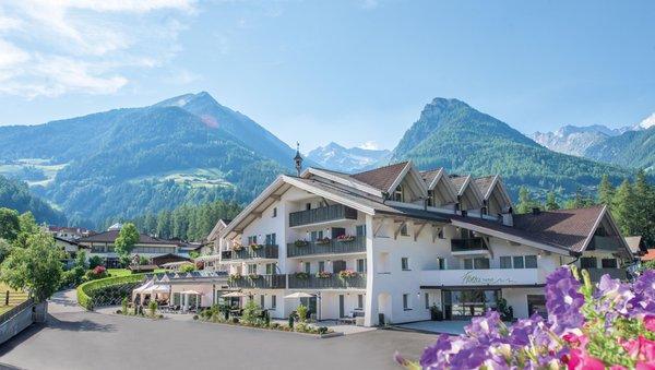 Sommer Präsentationsbild Restaurant Alpenhof