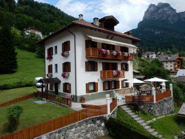 Foto estiva di presentazione Casa Alba - Appartamenti