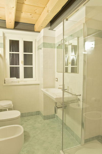 Photo of the bathroom Rooms + Apartments Locanda Tana de 'l Ors