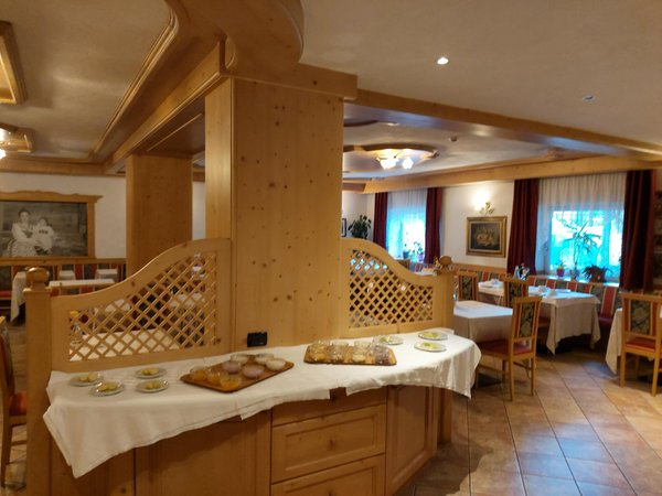 The breakfast Mountain Hut-Hotel Dolomia