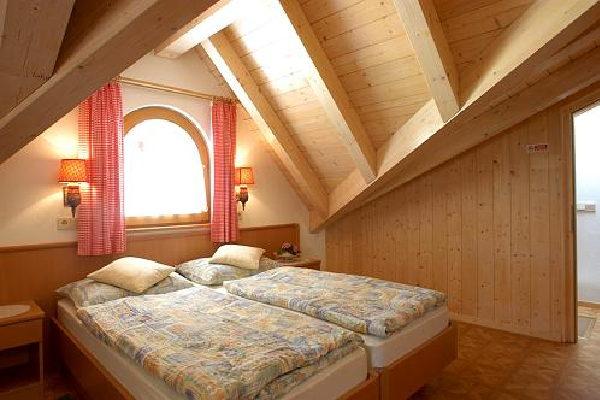 Image B&B (Garni) + Apartments Oskar