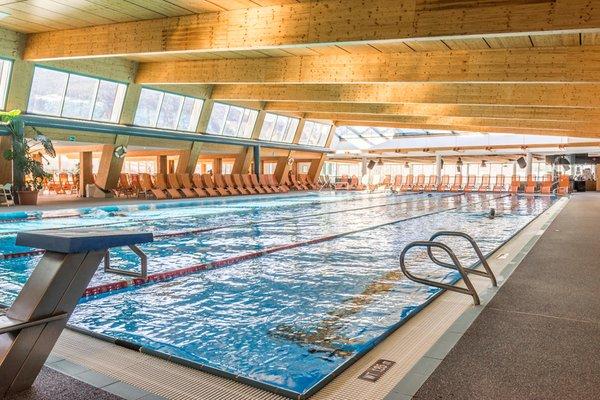 La piscina Piscina e Wellness Cron 4