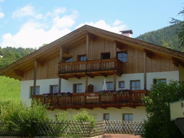 Foto estiva di presentazione Villa Bernhard - Appartamenti 3 soli