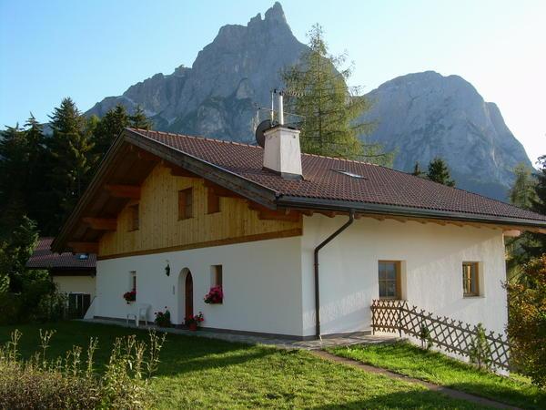 Foto esterno in estate Villa Bernhard