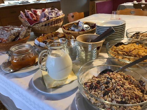 La colazione Garni (B&B) + Appartamenti La Vara