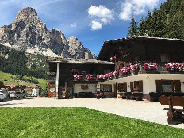 Foto estiva di presentazione Garni + Appartamenti La Vara