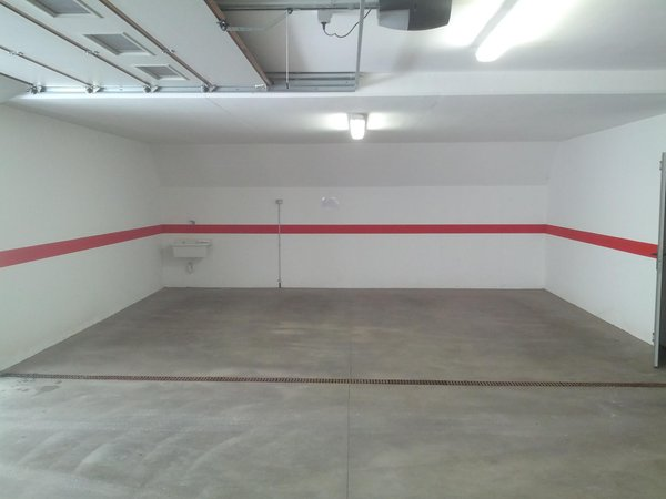 Photo of the garage