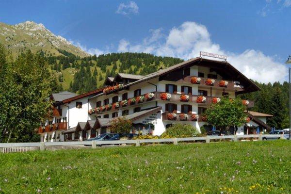 Foto estiva di presentazione Torretta - Hotel 3 stelle sup.