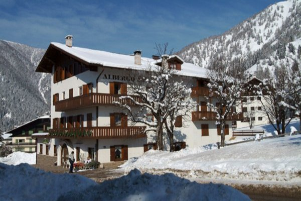 Foto invernale di presentazione Stella Alpina - Hotel 3 stelle