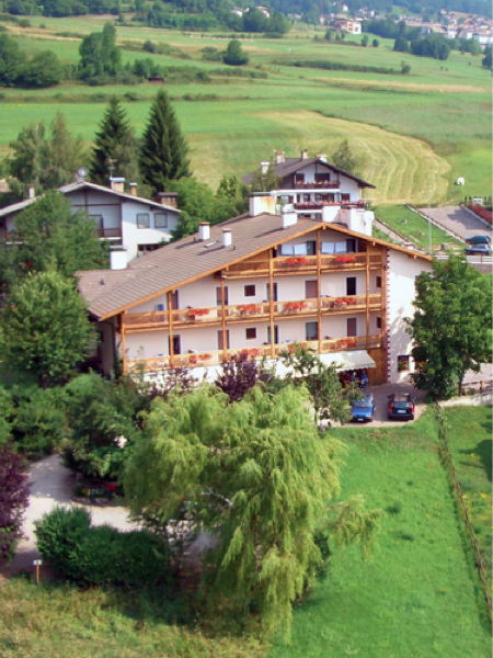 Position Hotel Bellaria Carano (Val di Fiemme)