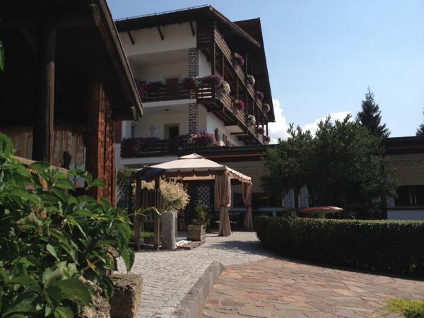Foto esterno Hotel Latemar