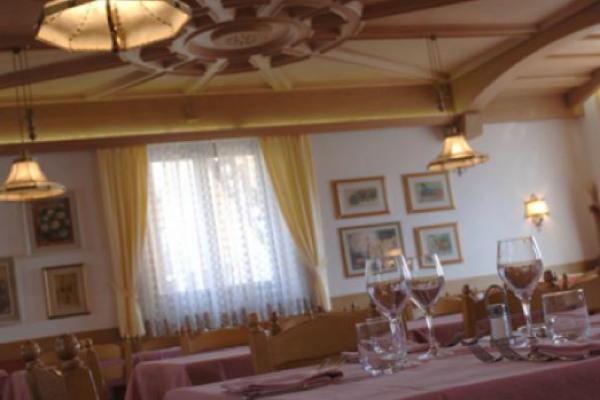 Il ristorante Varena Alla Rocca