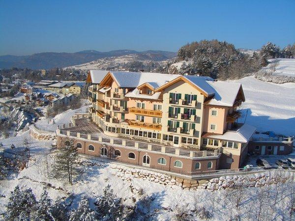 Foto Außenansicht im Winter Lagorai Resort & Spa