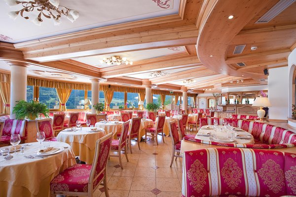 The restaurant Cavalese Lagorai Resort & Spa
