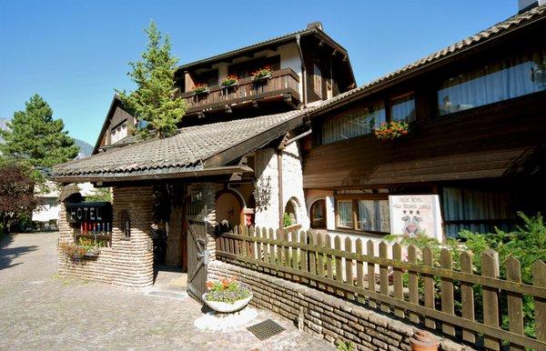 Foto esterno in estate Parkhotel Villa Trunka Lunka