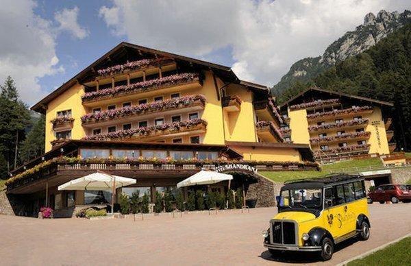 Foto estiva di presentazione Hotel Shandranj
