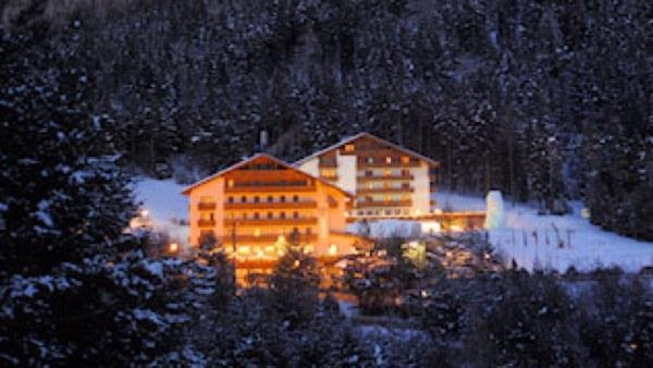 Foto invernale di presentazione Hotel Shandranj