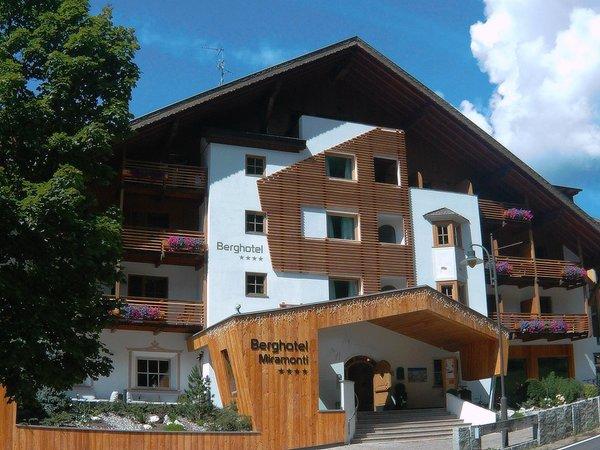 Foto estiva di presentazione Berghotel Miramonti - Hotel 4 stelle